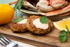 Apéritif de gâteaux de crabe image libre de droits