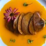 Apéritif merveilleux dans le plat de restaurant de déjeuner de dimanche : gras c de foie photographie stock
