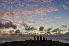 Após o por do sol em Ahu Tahai, Ilha de Páscoa, o Chile Fotografia de Stock Royalty Free