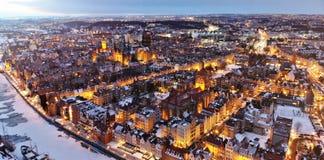 Após a opinião do zangão do por do sol de um Polônia de Gdansk da cidade imagens de stock