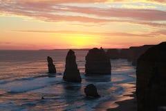 12 apôtres au coucher du soleil Photos stock