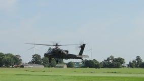 Apache που απογειώνεται στις Κάτω Χώρες απόθεμα βίντεο