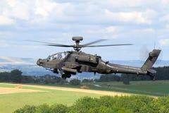 Apache helikopter på militärövning i Europa Arkivfoto
