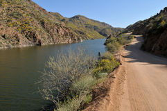 Apache Trail. Dirt road along the Salado River, Apache Trail, northeast of Phoenix, Arizona Stock Photo