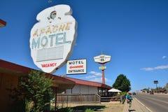 Apachemotel op Historisch Route 66 stock afbeelding