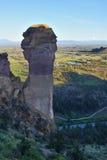 Apaframsida, Smith Rock och krokig flod Arkivfoto