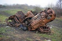 Apagados coches robados al borde de una reserva de naturaleza de los humedales de RSPB Fotografía de archivo libre de regalías