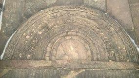 Apahana de Sandakad en el polonnsruwa de Sri Lanka Foto de archivo libre de regalías