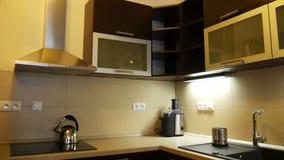 Aparador em uma cozinha moderna vídeos de arquivo