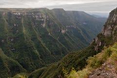 aparados巴西峡谷da福特莱萨serra 免版税库存照片