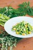 Aparagus avec des miettes Photos stock