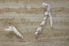 Aparas em um fundo de madeira clássico Textura fotos de stock royalty free