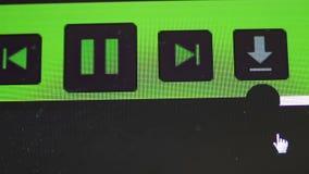 Aparato de lectura de la pista en una pantalla de ordenador almacen de metraje de vídeo