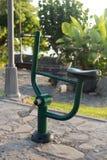 Aparato del entrenamiento de la bici en el parque Imagen de archivo libre de regalías