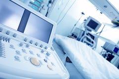 Aparatos médicos electrónicos Imágenes de archivo libres de regalías