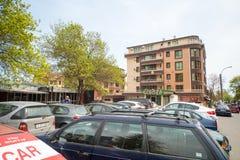 Aparcamiento central en el cuarto Sarafovo, Bulgaria de Burgas foto de archivo