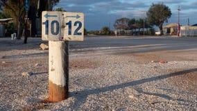 Aparcamiento, número 10 y 12, muestra vacante del camping fotografía de archivo