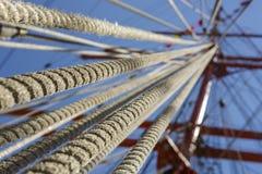 Aparejo alto de la cuerda de la nave Imagen de archivo libre de regalías