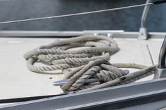 Aparejo de veleros de alta mar Accesorios de la navegación en un yate Foto de archivo libre de regalías