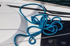Aparejo de veleros de alta mar Accesorios de la navegación en un yate Fotografía de archivo libre de regalías