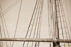 Aparejo y cuerdas del velero antiguo Imagenes de archivo