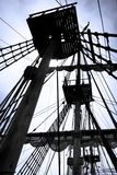 Aparejo y palos de la nave vieja de la vela Imágenes de archivo libres de regalías