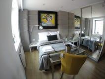 Apartamento acogedor en el centro de Gdansk Imágenes de archivo libres de regalías