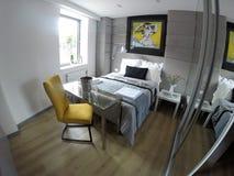 Apartamento acogedor en el centro de Gdansk Fotografía de archivo libre de regalías