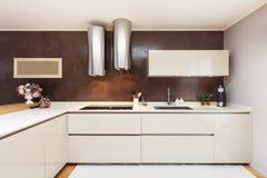 Apartamento bonito fornecido Imagens de Stock