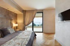 Apartamento bonito fornecido Imagens de Stock Royalty Free