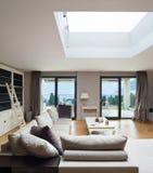 Apartamento bonito fornecido Foto de Stock Royalty Free