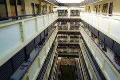Apartamento de cuatro niveles en el día Imagen de archivo libre de regalías