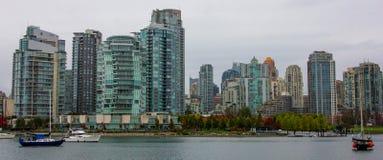 Apartamento e condomínio na margem de Vancôver Imagens de Stock