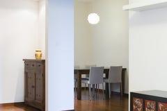 Apartamento equipado imagens de stock
