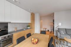 Apartamento-estudio abierto del plan fotografía de archivo