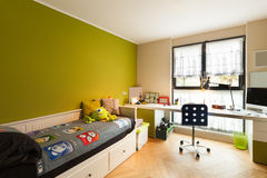 Apartamento hermoso equipado, dormitorio imagen de archivo libre de regalías