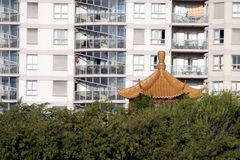 Apartamento urbano, telhado chinês Imagens de Stock Royalty Free