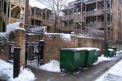 Apartamento velho coberto pela neve durante o inverno em Chicago Imagem de Stock Royalty Free