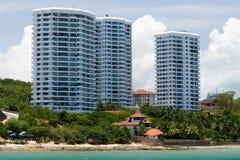 Apartamentos asiáticos de la playa Imágenes de archivo libres de regalías