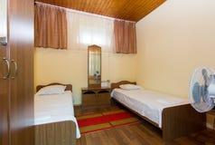 Apartamentos baratos em um hotel fotografia de stock