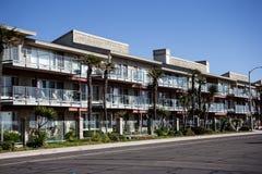Apartamentos bonitos na costa - ascendente próximo Fotografia de Stock Royalty Free
