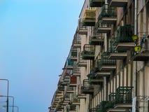Apartamentos, casa no estilo do vintage fotografia de stock royalty free