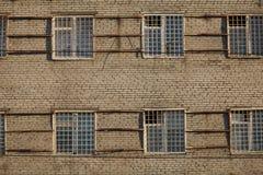 Apartamentos con las barras en ventanas Fotografía de archivo libre de regalías