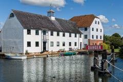 Apartamentos de lujo en el río Támesis, Inglaterra Imágenes de archivo libres de regalías