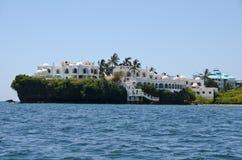Apartamentos delanteros de la playa foto de archivo
