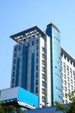 Apartamentos do céu azul Fotografia de Stock Royalty Free