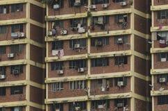 Apartamentos em um prédio de apartamentos em Kuala Lumpur a capital de Malásia fotos de stock royalty free