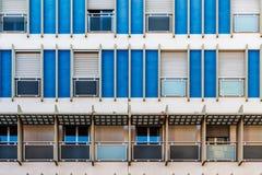 Apartamentos en la ciudad foto de archivo libre de regalías
