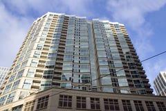 Apartamentos novos dentro na cidade Fotos de Stock Royalty Free