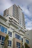 apartement som bygger hög stigning royaltyfri fotografi